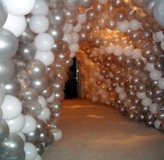 Como decorar un salon de fiestas con globos originalmente