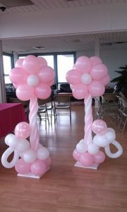 como hacer adornos con globos paso a paso