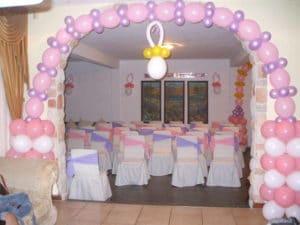 Como hacer arreglos con globos para baby shower