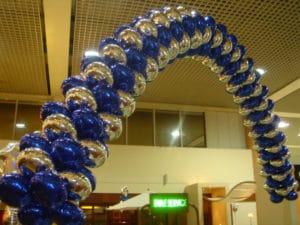 Como-hacer-arreglos-con-globos-arcos-3