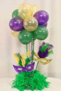 Como adornar un salon con globos