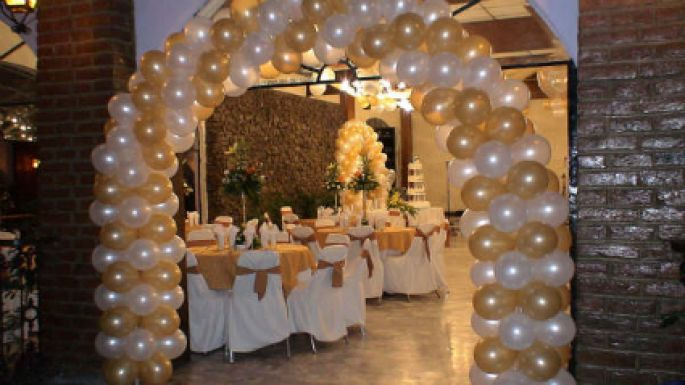 Como adornar un salon para boda con globos prueba estas ideas for Fotos para decorar salon