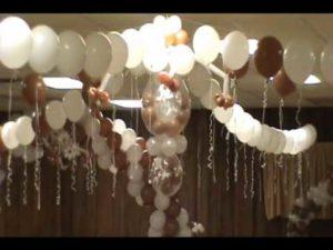 como-adornar-un-salon-para-boda-con-globos-6