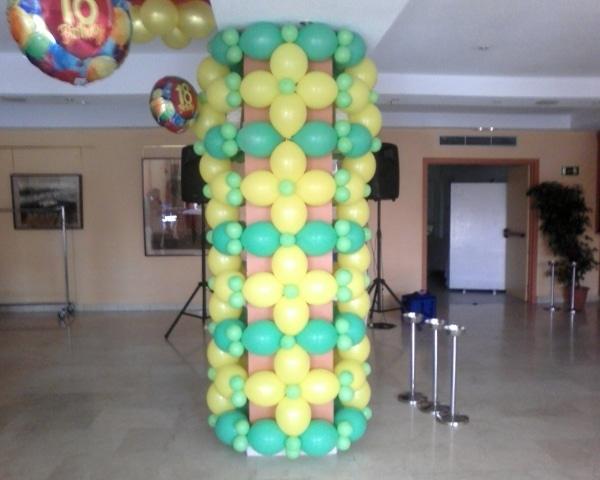 Como decorar una columna con globos vistosos y divertidos - Decorar columnas salon ...