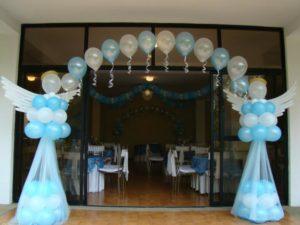 como-hacer-decoraciones-con-globos-para-bautizo-1