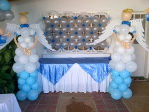 como-hacer-decoraciones-con-globos-para-bautizo-2