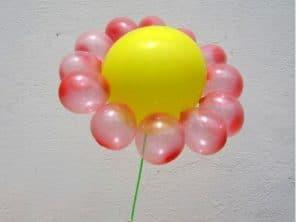 como-hacer-arreglos-con-globos-flores-2