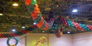 Como-hacer-arreglos-con-globos-para-fiestas-techos-2