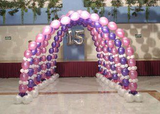 Lo último en decoraciones con globos para 15 años. Muy fáciles de hacer