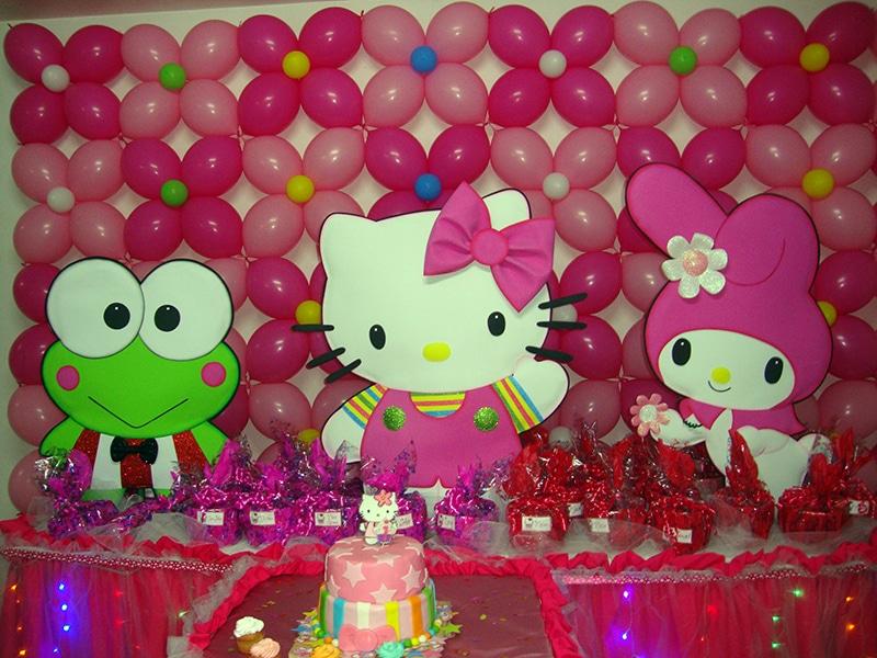Como hacer columnas de globos para fiestas infantiles - Decoracion hello kitty ...