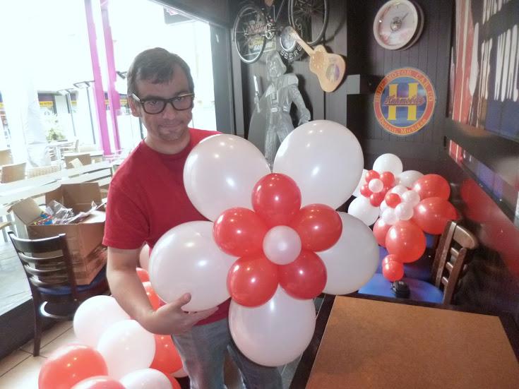 Como hacer adornos con globos para cumplea os - Hacer munecos con globos ...